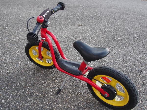 červené dětské kolo odrážedlo PUKY